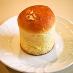 小麦屋 弥平 - プリンパン