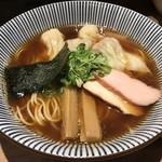 中華soba いそべ - トップフォト にこにこワンタン麺(黒旨)