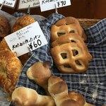 Saas-Fee - わんこ用のパン♪素朴な感じで美味しそう♪ 60円