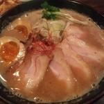 トリイザカヤ 麺 コヤ麺 - 濃厚鶏白湯らぁめん 肉増し味玉入り