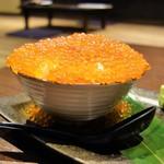 北海道レストラン 知床漁場 - なんまらこぼれイクラ丼(1599円)