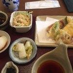 はまさき - 小鉢と野菜の天ぷら