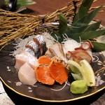 北海道レストラン 知床漁場 - お造り盛り合わせ(知床)1299円