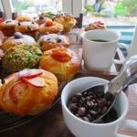 prato cafe - HOTもICEもハンドドリップで淹れる自家焙煎珈琲。