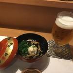 81350748 - 生ビール(500円+税)、お通しの椀物(400円+税)