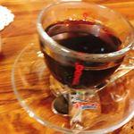 シェ・アルモニ - 追加のホットコーヒー