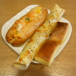 ヴィ・ド・フランス - エビとポテトのグラタンドッグ、照り焼きウインナートルティーヤ、ミルクパン