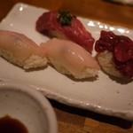 学芸大学前 肉寿司 - えんがわと塩ユッケ握りはマスト!