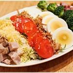 ラーメン&ビストロ ウシオ ウエノイースト - ホットドレッシングのコブサラダ(ハーフ) 480円