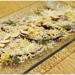 ラーメン&ビストロ ウシオ ウエノイースト - 和牛のタタキ コチュジャンダレのカルパッチョ 780円