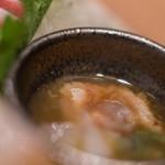 おたる政寿司 - 【差味(さしみ)】、富山鰕(とやまえび、=ボタンエビ)の膓(わた)