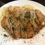 洋食 ツバキ亭 - 豚ロースのしそチーズカツレツ