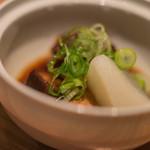 おたる政寿司 - 【煮物(にもの)】、菘根(だいこん)