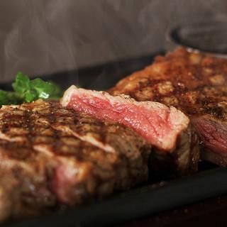 これぞ肉!アンガス牛のサーロインステーキ