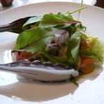 イタリア料理BAMBU - 二人で分ける海鮮サラダ