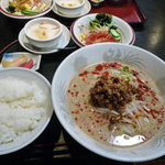 81373351 - 担々麺定食、950円