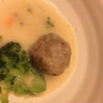 81373404 - 肉団子のクリーム煮