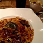 マノ・キッチンカフェ - パスタとアイスコーヒーとスープ
