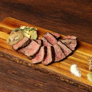"""""""短角牛のグリル""""は、赤身の旨みがギュッと詰まった絶品料理♪"""