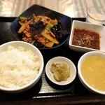 猪八戒の台所 - 豚肉とキクラゲの卵炒め(週替りランチ)