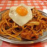 スパゲッティーのパンチョ 池袋店 - ナポリタン(小盛り)目玉焼き乗せ