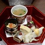 81384963 - 冷菜(玉子煮凍り、余市かぶら、玉子おろし合え、くじら寿司、イワシ豆腐、出汁巻、白魚)