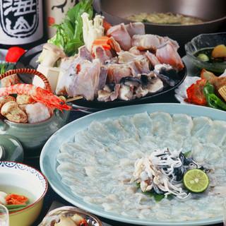 漁港直送の旬の鮮魚をテーブルへ。お造りはおススメの一品