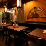 西安刀削麺酒楼 - 最大18名様までの半個室スペース。