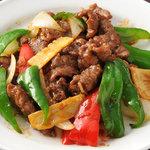 西安刀削麺酒楼 - 【西安伝統料理】牛肉のオイスターソース炒め