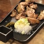 豚道楽 - 鶏ちゃん焼き 甲州健味鶏の炭火焼き