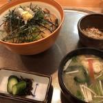 81395381 - 鰆丼1500円は、定食形式