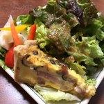 トゥットゥベーネ - とにかくボリューム満点のサラダが嬉しい