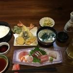 閃味処 料磨 - 刺し身天定食(2,200円)