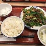 東方飯店 田町駅前店 - チンジャオロース定食