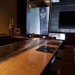 鉄板焼 煖 - カウンター席の様子