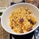 鉄板焼 煖 - ガーリックライスもめっちゃ美味しい!