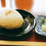 おっきん - おにぎりが好きなんだな。 安いが大きい。 胚芽米のおにぎり。