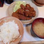 とりかつ チキン - 人気定食(650円)
