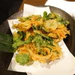 山乃家 - 桜海老と菊菜のかき揚げ
