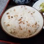 譲 - 定食の麦飯