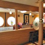 四川飯店 - テーブル席