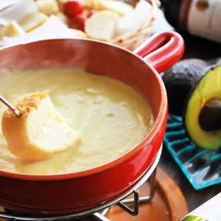食べ放題人気No.1!8種の味から楽しめるチーズフォンデュ♪