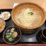能古うどん - 料理写真:たらいうどんセット 冷=745円