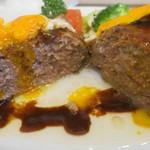 Grill TENPEI - 姫路肉汁ハンバーグMサイズ、割っても肉汁が・・・?でも食べるとすごい!