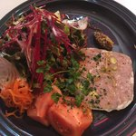 サラマンジェ ドゥ カジノ - 前菜のお肉のパテからボリューミーです