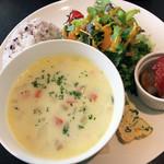 カフェ&キッチン ともあ - 料理写真:スープランチ800円