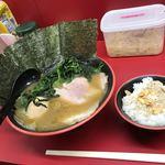 横濱家系ラーメン 勝鬨家 - 友人②のオーダー