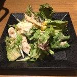 九州薩摩地鶏の個室居酒屋 九遠 - 蒸し鶏と豆腐の胡麻サラダ