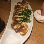九州薩摩地鶏の個室居酒屋 九遠 - 九州名物 炙り胡麻カンパチ