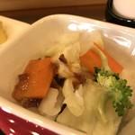 カフェ コティー - 美味しいドレッシングがかかった野菜たち(2018.2.24)